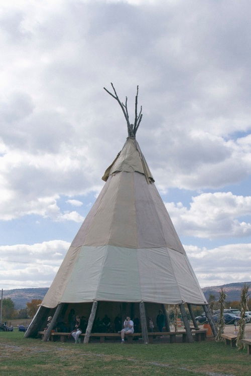 teepee / a thousand threads